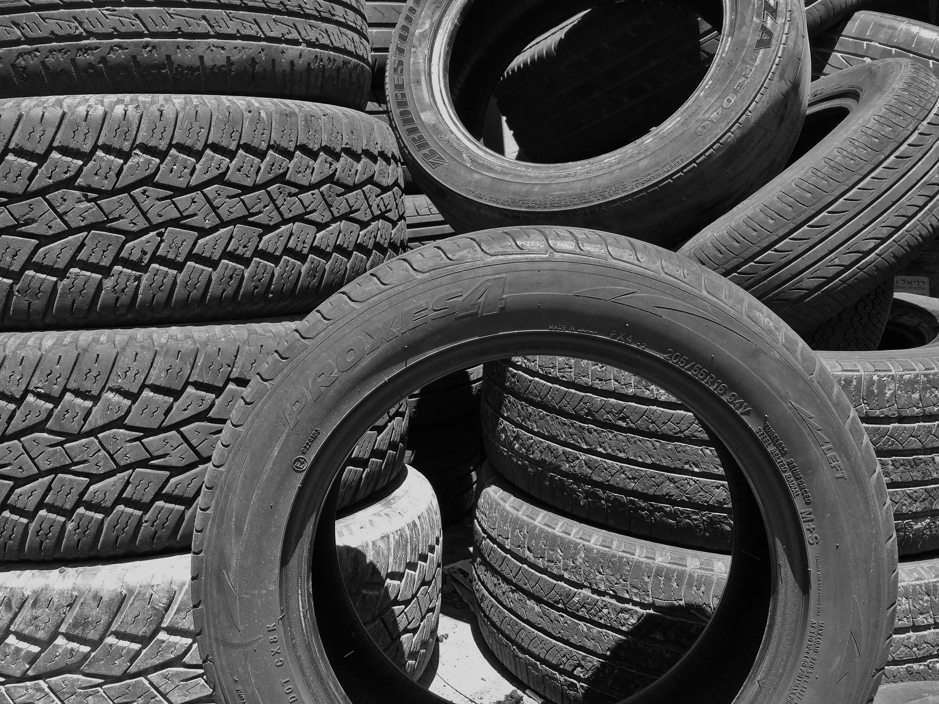 tires-913588_1920