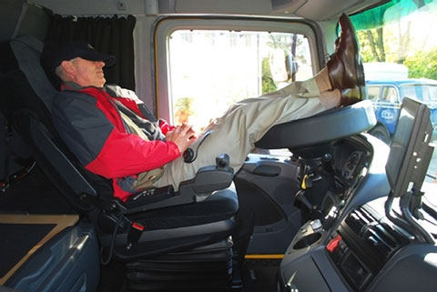 cdl-truck-drivers-need-sleep-apnea-testing